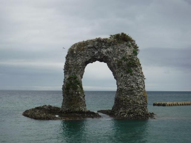 鍋釣岩(なべつる岩)