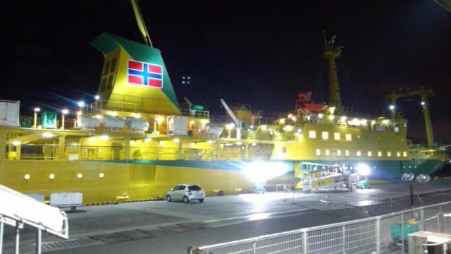 22:30竹芝桟橋就航前の橘丸