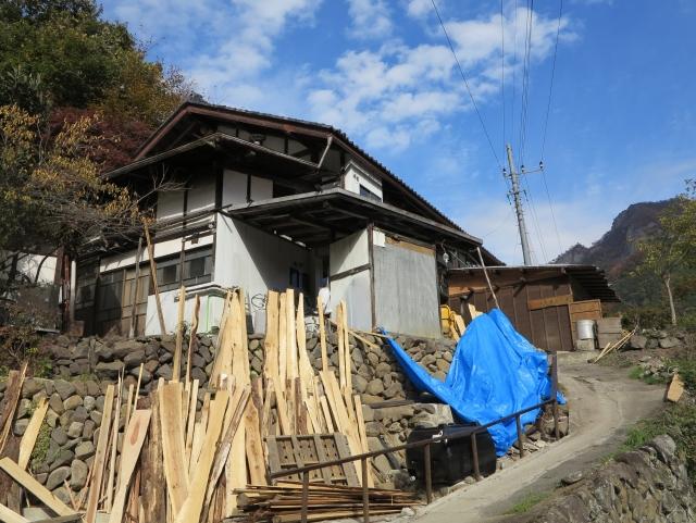 オープン2ヶ月後の2018年11月4日に訪問。築200年の古民家を再生。