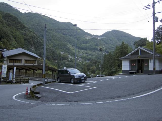 中津渓谷駐車場