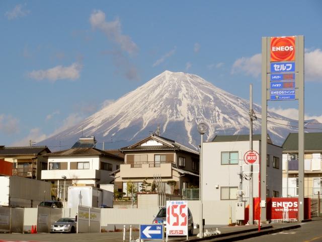 世界でいちばん富士山がよく見えるENEOS