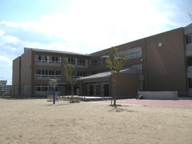 四日市市立港中学校