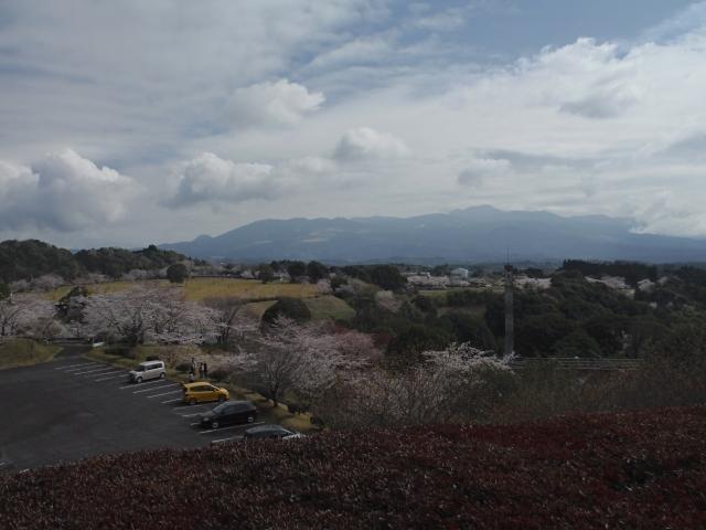 晴天時は霧島連山も眺める事もできます。
