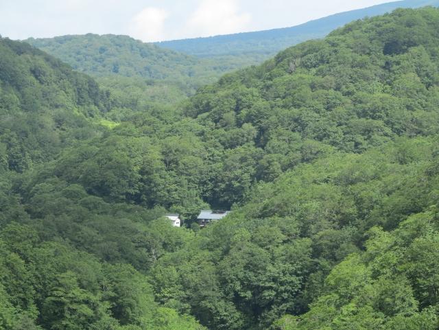 三浦旅館と栗駒山
