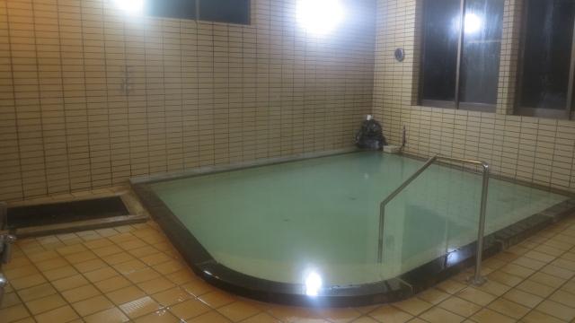 本館中浴場「元湯」。新館とは違う南郷温泉1号井を利用。