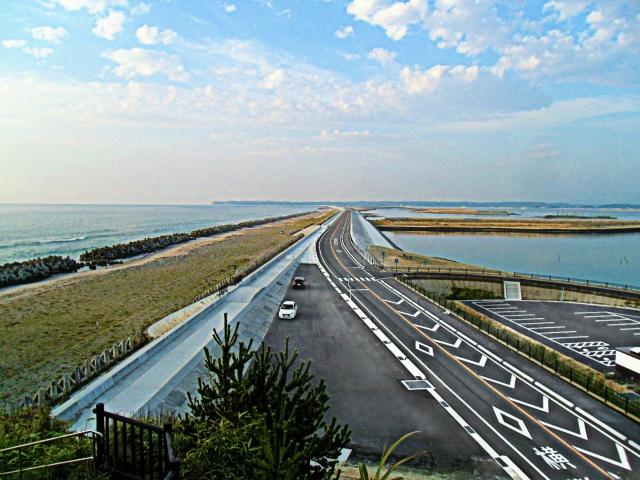 地点A、鵜ノ尾崎の観音堂から南向き。津波はこの高さ以上に達した。2012年3月に撮影された動画はこちらhttps://youtu.be/2XMrbBQeikw?t=6m26s