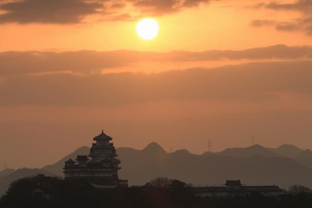 【2015/2/28撮影】雲の隙間から日の出