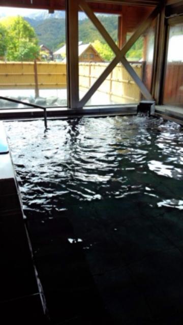 内湯から越後駒ヶ岳方面の眺め