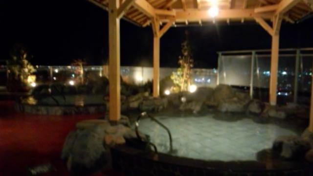 展望露天風呂の夜景