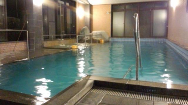 プール風呂(打たせ湯付)