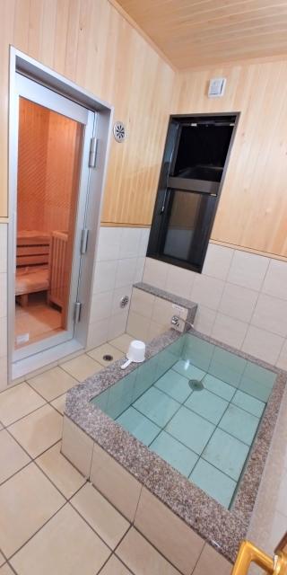 サウナと水風呂は片方だけにあり