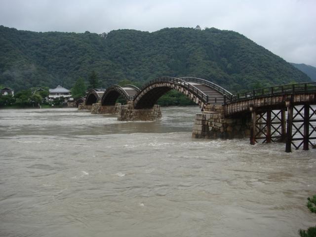 【2010/7/14撮影】大雨直後の水位ー①