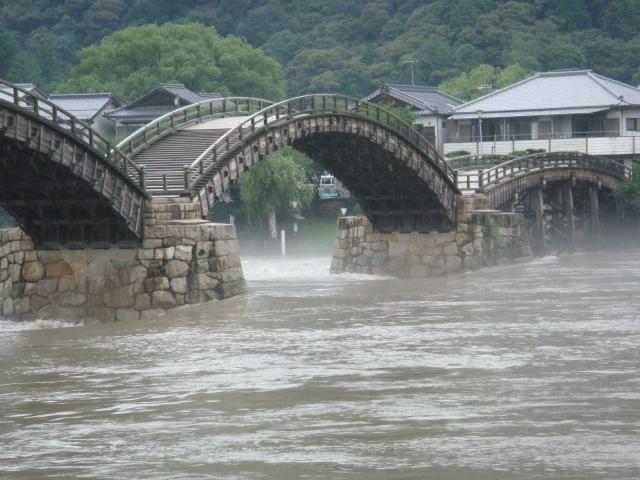 【2010/7/14撮影】大雨直後の水位ー②
