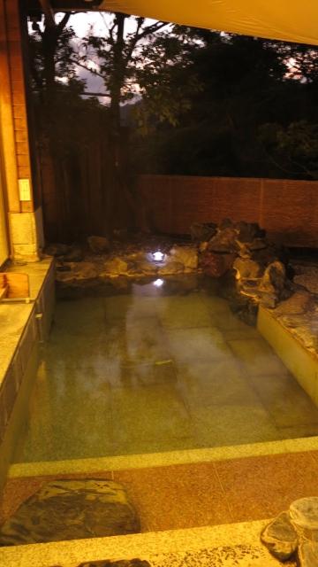 渓泉荘温泉露天風呂