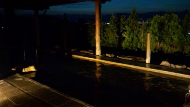 展望風呂から長野市街の夜景