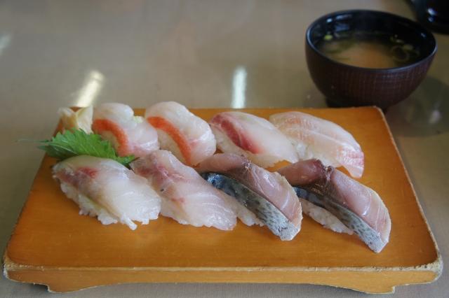 地魚握り!(950円)