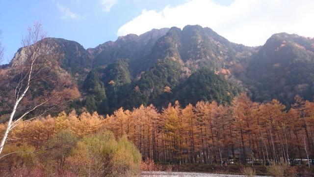 カラマツの紅葉と霞沢岳 ~上高地~