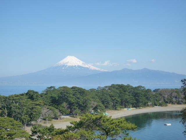 戸田の高台より富士山を眺める