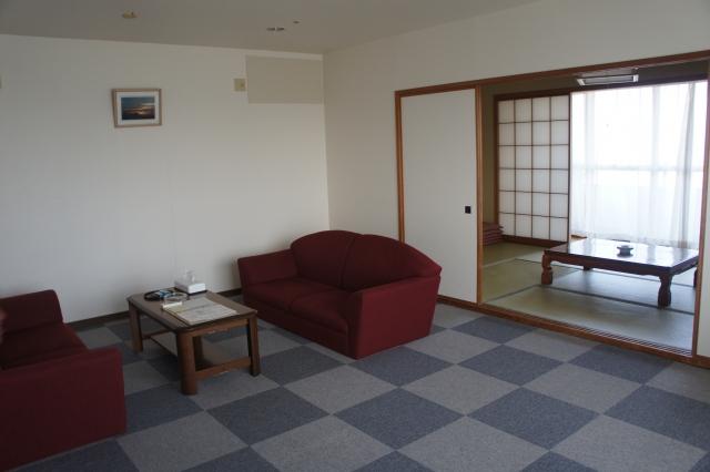 リビング・和室の他に、ベッドルームも別にあり。