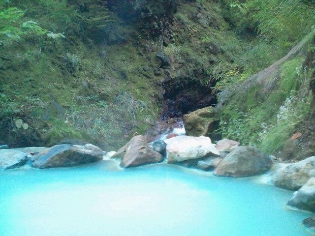 燕温泉 河原の湯(無料)