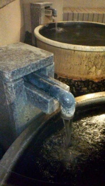 投入口から塩辛い湯を投入