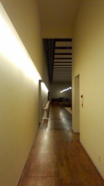 館内廊下からフロント方向