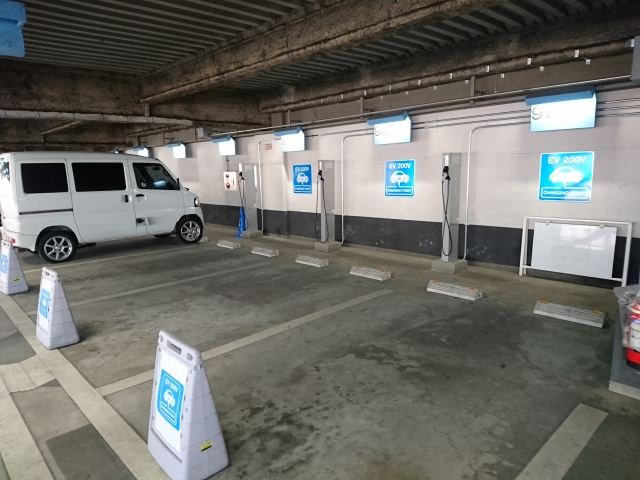 駐 伊勢丹 車場 新宿